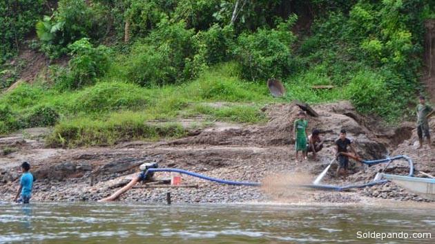 Hay 30 puntos de extracción en las cuencas de los ríos Santiago y Cenepa. | Foto: Wilfredo Sanfoval