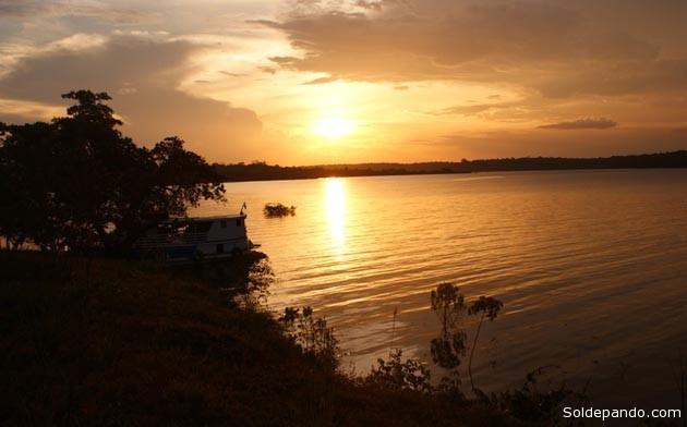 El Uatumã es un río de aguas negras que nace en el macizo Guayánico, en la frontera entre los estados brasileños de Amazonas y Roraima. Aquí se construirá el observatorio climatológico más alto del mundo, con asistencia tecnológica de Alemania.