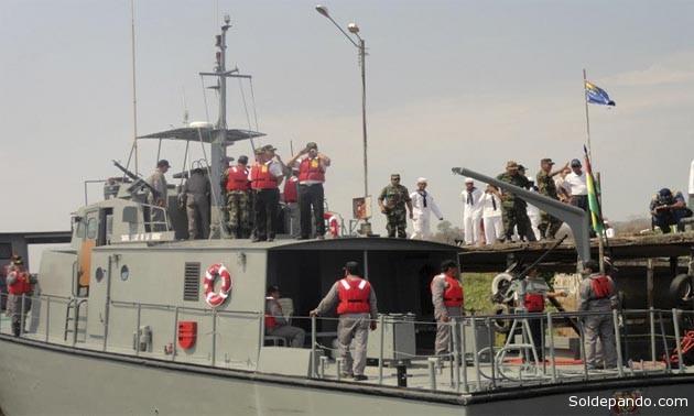 El patrullero LP-501, una de las cinco embarcaciones con rumbo a Asunción que surcaba la Hidrovía atraviesando territorio brasileño, donde se volcó el remolcador TNR-12. | Foto Armada Boliviana