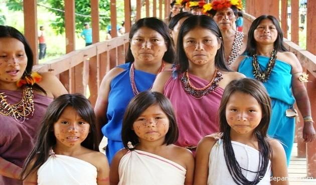 Este pueblo originario de la Amazonia peruana tomó conciencia que la contaminación de sus ríos con el mercurio usado para la explotación de oro amenaza su subrevivencia y su cultura. | Foto Archivo