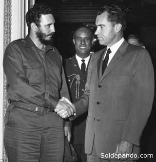 Fidel Castro visitó Washington a pocos meses del triunfo de la revolución cubana, en 1959. Fue recibido por el entonces vicepresidente Richard Nixon. Fue el último encuentro amistoso entre gobernantes de ambos países, hasta hoy.  Foto archivo.