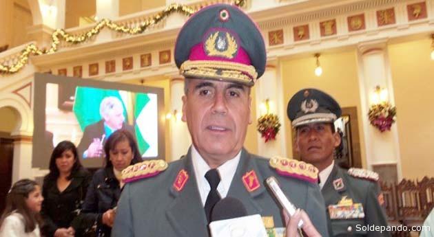 """El general Omar Salinas fue recordado """"con orgullo"""" por Luis García Meza.   Foto ERBOL."""