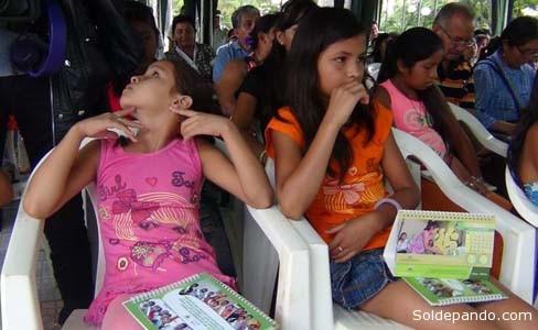 En el acto de promulgación de la Ley del 8 de diciembre, también se hizo entrega de un estudio del estado de situación de la infancia, niñez y adolescencia del departamento de Pando. | Foto GADP