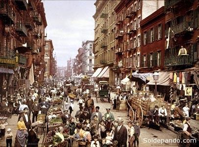 """Pequeña Italia en el año 1900, el primer """"barrio latino"""" de Nueva York.   Foto Dicyt-Wikipedia"""
