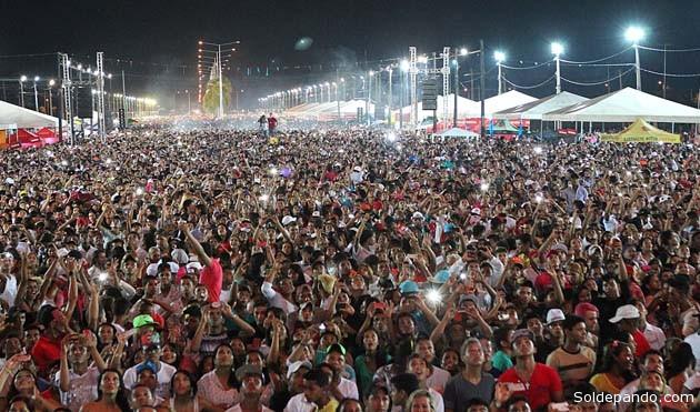 Réveillon no Acre leva mais de 50 mil pessoas à Arena da Floresta, em Rio Branco. Imagem do 31 de dezembro, 2013. | Foto Sérgio Vale
