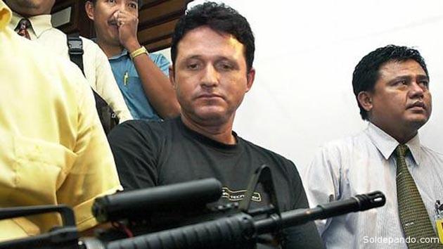 Marco Cardoso Moreira fue fusilado en la isla de Nusa Kambangan, en la costa sur de la isla de Java, donde se mantuvo esperando la ejecución en el corredor de la muerte de una prisión de alta seguridad. En febrero ejecutarían a un segundo brasileño también ejecutado por narcotráfico.   Foto AFP