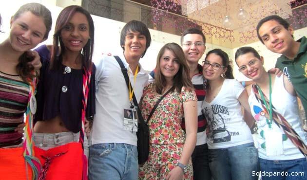 Marcela en Medellín, junto a estudiantes de Colombia, Argentina, Brasil y Uruguay integrando el Parlamento Juvenil del Mercosur.