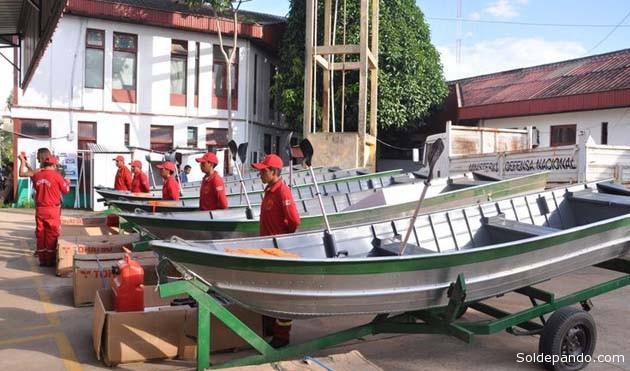 Los seis deslizadores debidamente equipados con motores fuera de borda demandaron a la Gobernación una inversión de más de 5 millones de bolivianos. | Foto Gobernación de Pando