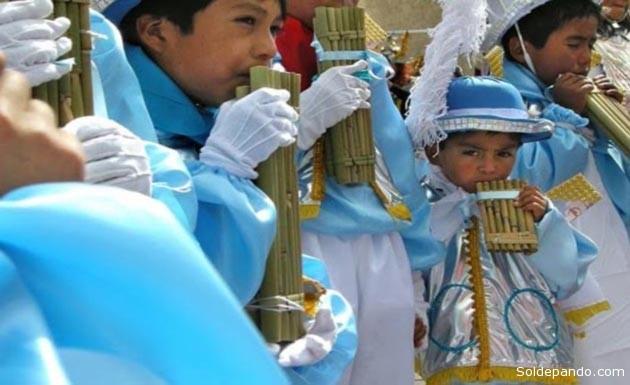 La danza y el ritmo de los Siku Morenos, todavía presente en la fiesta de La Vcandelaria en Puno, es el origen indígena aymara de la danza mestiza de la Morenada. | Foto Archivo