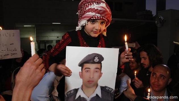 """Los musulmanes recuperan su religión al sufrir en carne propia la sanguinaria Yihad del grupo """"Estado Islámico"""".   Foto Reuters"""