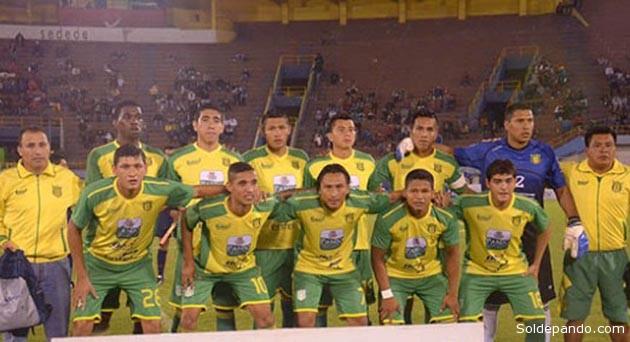 Los tres puntos obtenidos por el equipo de LA UAP en su cancha, son claves para acortar la distancia en la zona del descenso de categoría con Sport Boys, que el viernes perdió ante Real Potosí.   Foto Archivo