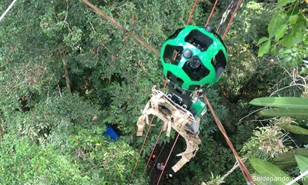 El Trekker (cámara satelital) montado sobre una tirolesa en el bosque tropical amazónico.   Foto Google Street View