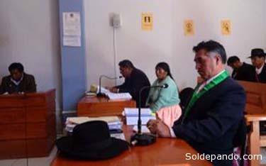 Vista del juicio que concluyó con la primera sentencia en lengua indígena en Perú. | Foto elpais.com