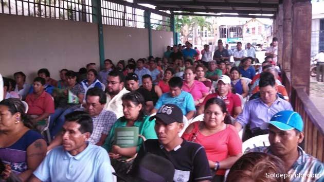 Los representantes de las 23 comunidades, apoyados por técnicos de la ABT, que ya cuentan con un plan propio para el aprovechamiento sostenido de los bosques. | Foto GADP