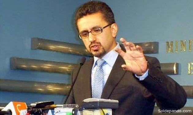 Llorenti y su asesor jurídico Fernando Rivera redactaron en junio del 2010 una Resoluciòn Ministerial destinada a extorsionar a los menonitas con la colaboración de Dirk Schmidt.