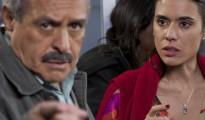 David Santalla junto a la actriz colombiana Carolina Ramirez en Cuando los hombres se quedan solos. | Foto cortesía La Prensa
