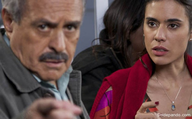 David Santalla junto a la actriz colombiana Carolina Ramirez en Cuando los hombres se quedan solos.   Foto cortesía La Prensa