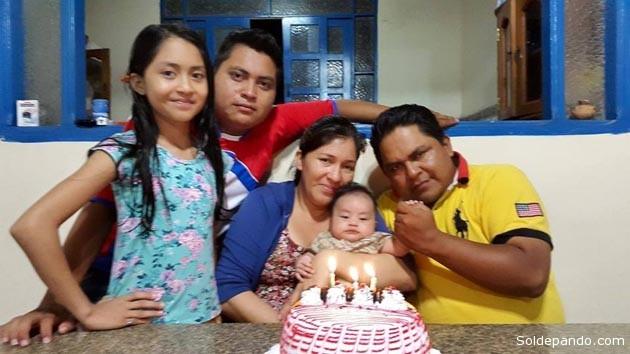 Una familia modelo en la ciudad de Cobija. Los hijos y la esposa del conocido periodista y pastor evangélico Alex Castedo Piuma. | Foto archivo Sol de Pando