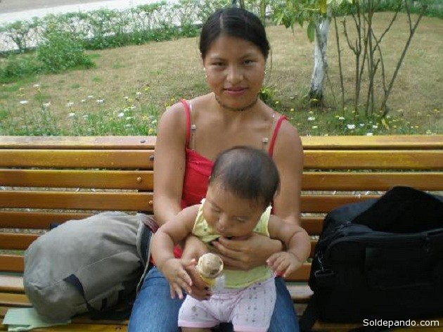 Tres de cada 10 madres bolivianas se declaran jefas de hogar, según datos del Censo 2012.