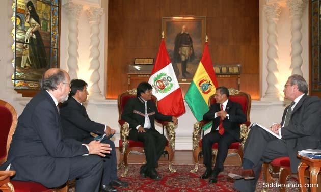 Los presidentes de Perú y Bolivia, Ollanta Humala y Evo Morales, en su último encuentro en Lima el pasado año 2014   Foto AB)