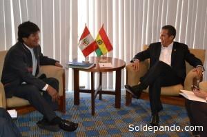 Presidentes de Bolivia y Peru en reunion bilateral.   Foto: ABI