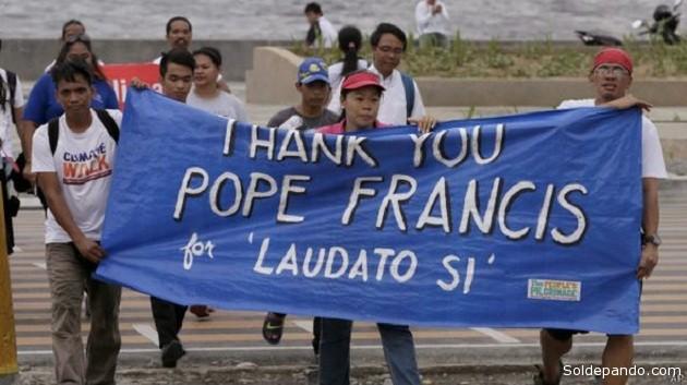 Activistas de Filipinas, país azotado por tifones, agradecen al papa por la carta encíclica.