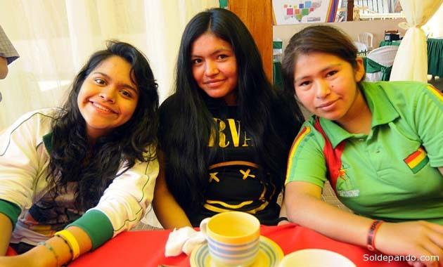 Tres damas ajedrecistas del interior que intervienen en el torneo femenino.  | Foto GADP