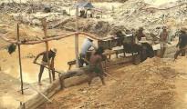 La minería a pequeña escala de los garimpeiros, la mayoría de ellos ilegales, ha supuesto la destrucción de 183 kilómetros cuadrados de bosque en la región de Itaituba desde el 2001. | Foto Archivo Sol de Pando