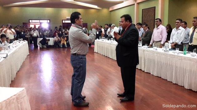 Rolando López posesionado como nuevo Presidente de la FBF, se propone cumplir un proyecto de cambios en el fútbol nacional. | Foto FBF