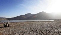 El embalse La Paloma en la Cuarta Región Coquimbo, llegó a un nivel histórico de déficit sin precedentes como una continuidad del Desierto de Atacama más alá de su frontera natural. | Foto La Tercera