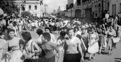 Dos décadas después del Primer Congreso Feminista, las mujeres de Santa Cruz salieron a  las calles en 1950 sumándose  alas reivindicaciones regionales del Oriente.   Foto en biografía de Elffy Albrecht Ibáñez