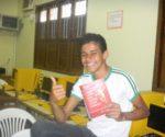 Un alumno de la escuela São Jão Batista de Bujari, tras la charla impartida por la Sejudh | Foto Sol de Pando