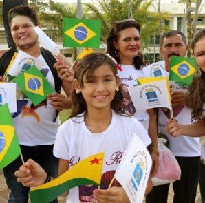 A população acreana apreciou com emoção o momento histórico na capital    Foto Sérgio Vale