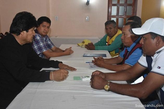 El Presidente Evo Morales tubo la oportunidad de recibir a la dirigencia de los mototaxistas quienes le solicitaron su apoyo para la construcción de sus sede sindical, la Máxima Autoridad del Estado garantizó el financiamiento para este sector de tal manera que la organización sea fortalecida manifestó el dirigente.