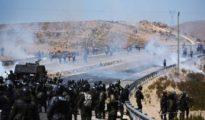 Los enfrentamientos el jueves en la localidad de Panduro, donde halló trágica muerte el viceministro Rodolfo Illanes, en respuesta al fallecimiento de tres mineros horas antes del linchamiento. | Foto La Razón