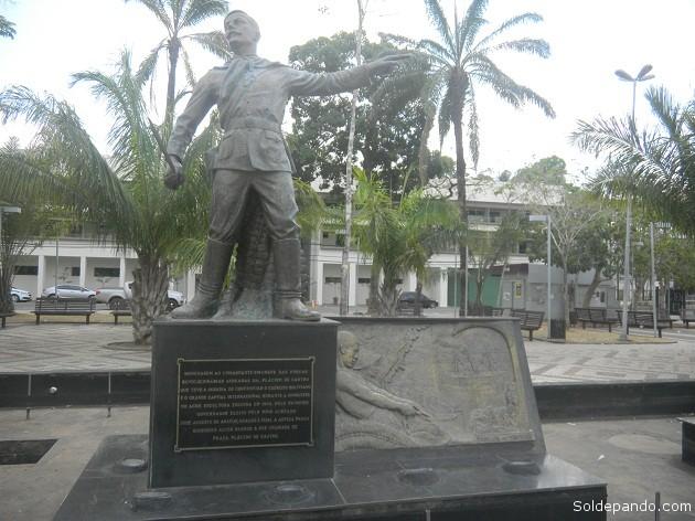 El munumento a Plácido de Castro en la Plaza de la Revolución, en Rio Branco. | Foto Sol de Pando