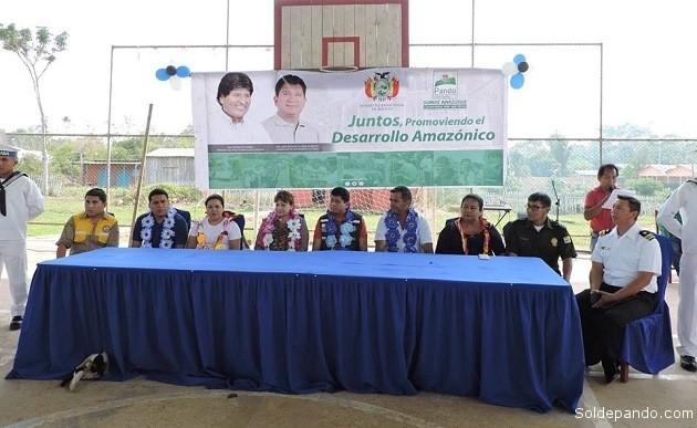 El Gobernador y la Vicegobernadora de Pando junto a autoridades locales y nacionales en la frontera activa del municipio de Bella Flor. | Foto Prensa GADP