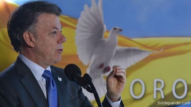 Juan Manuel Santos, Presidente de Colombia, Premio Nobel de la Paz. Merecido galardón, por otra parte, porque a nadie se le escapa lo avanzado y la voluntad real de conseguir una paz permanente en la que empeñó toda su gestión de gobierno... | Foto Archivo