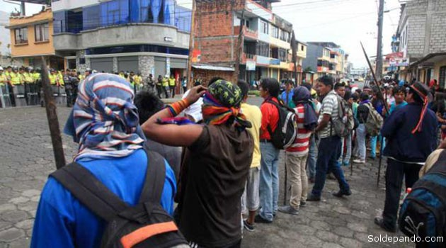 Disturbios en la ciudad amazónica de Macas, capital de la provincia Morona Santiago donde habita la etnia Shuar. | Foto El Comercio de Quito