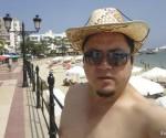 Sahonero-exhibiéndose-mientras-vacacionaba-en-la-exclusiva-isla-de-Ibisa-España-en-septiembre-del-2011.-Foto-Facebook-de-Wilson-Tony-Sahonero-Ampuero